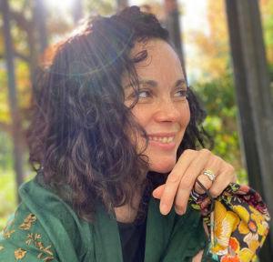 Alana Cowan headshot